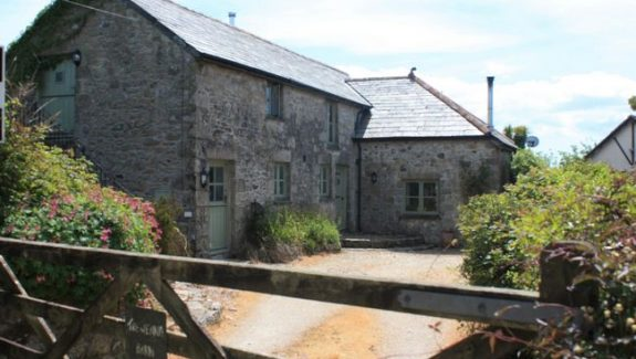 CORNISH GIN MANUFACTURING BUSINESS WITH HOME AND LAND – FREEHOLD £880,000 REF VSM330C