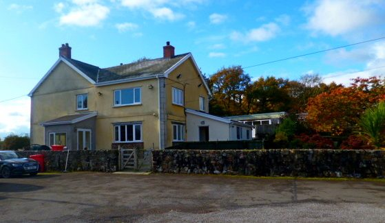 CAMARTHENSHIRE – SUBSTANTIAL KENNELS AND CATTERY WITH 5 BED HOME – FREEHOLD £645,000  REF VKC346CW