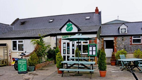 ESTABLISHED CAFE/BISTRO – EDGE OF MENDIP HILLS- LEASEHOLD – £45,000  REF VC327S2
